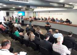 Fecomércio-RS ganha voz em debate na Câmara de Porto Alegre sobre informalidade