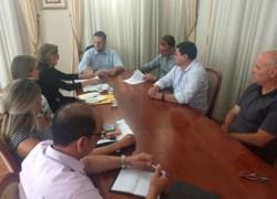 Prefeito assina convênio para pavimentação de via no bairro Ouro Verde em Bento