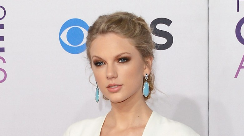 attends the 39th Annual People's Choice Awards at Nokia Theatre L.A. Live on January 9, 2013 in Los Angeles, California.