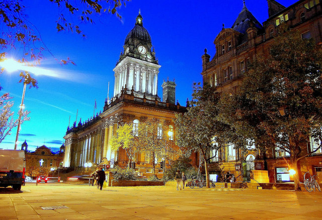 leeds_town_hall_by_night_-_geograph-org-uk_-_729476