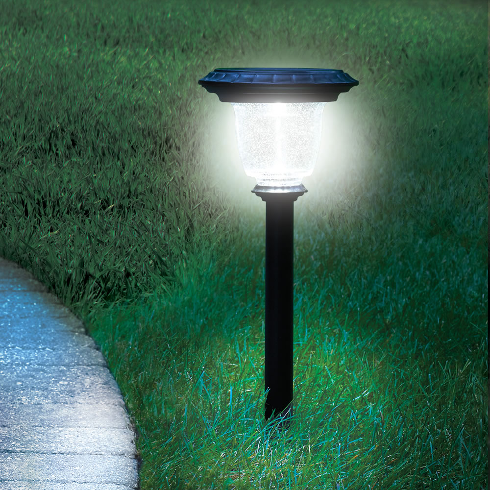Solar Light The Best Solar Walkway Light - Hammacher Schlemmer