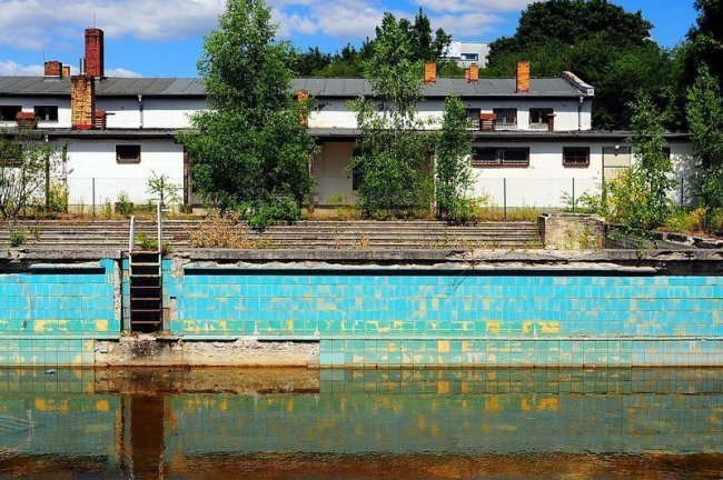 lichtenberg abandoned swimming pool