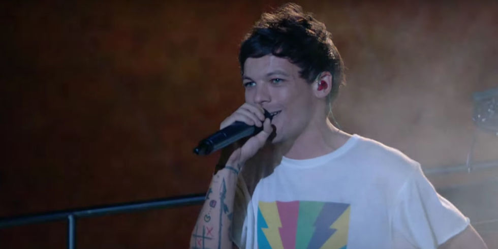 Louis Tomlinson\u0027s debut single \u0027Just Hold On\u0027 has topped the UK
