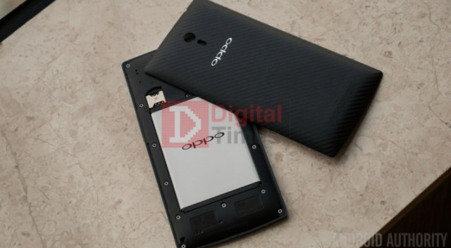 Oppo-Find-7-Battery-1190592-710x399