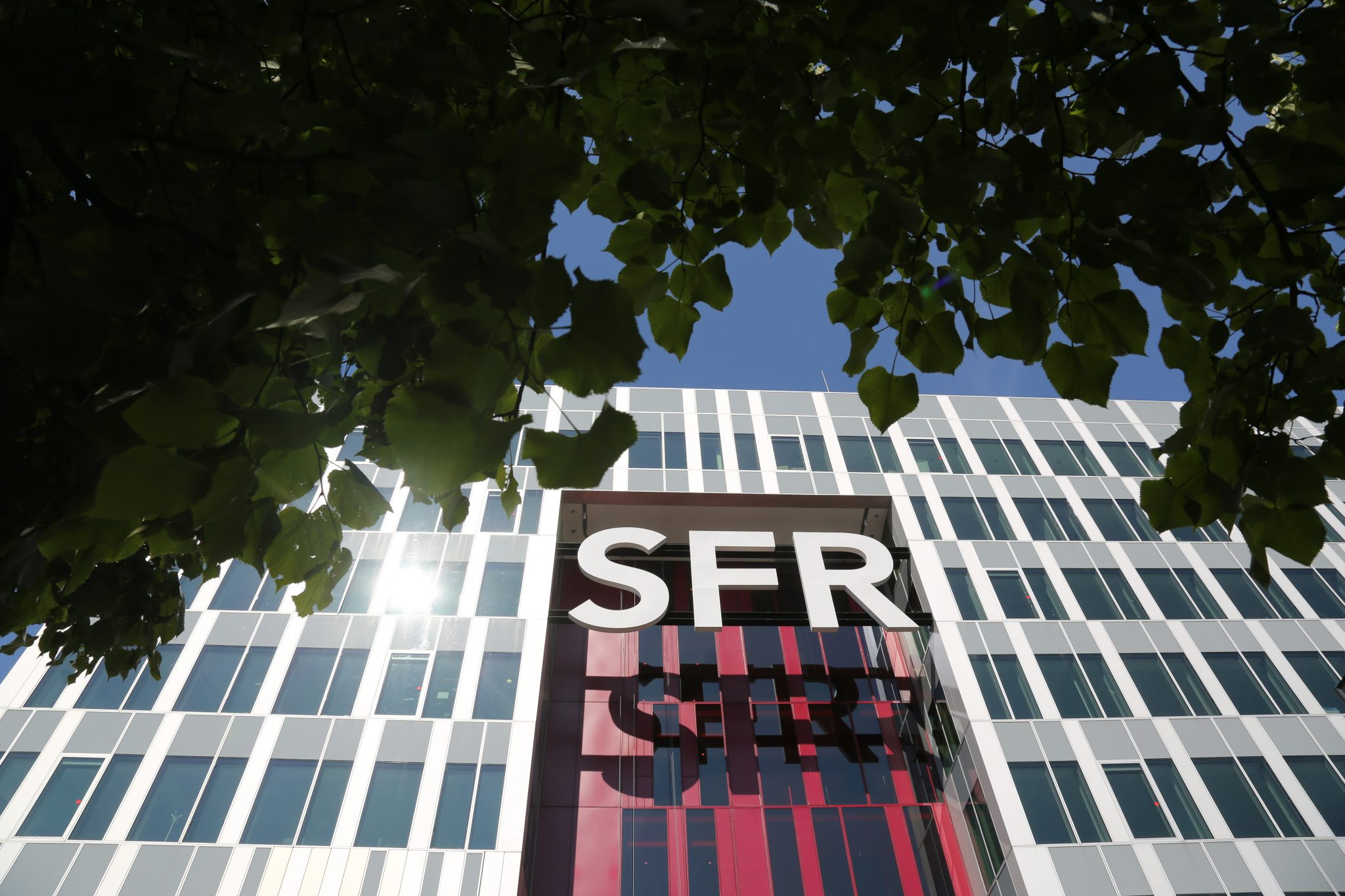 Sfr Velizy Altice France Unveils Initiatives For Growth Renames Sfr Sport