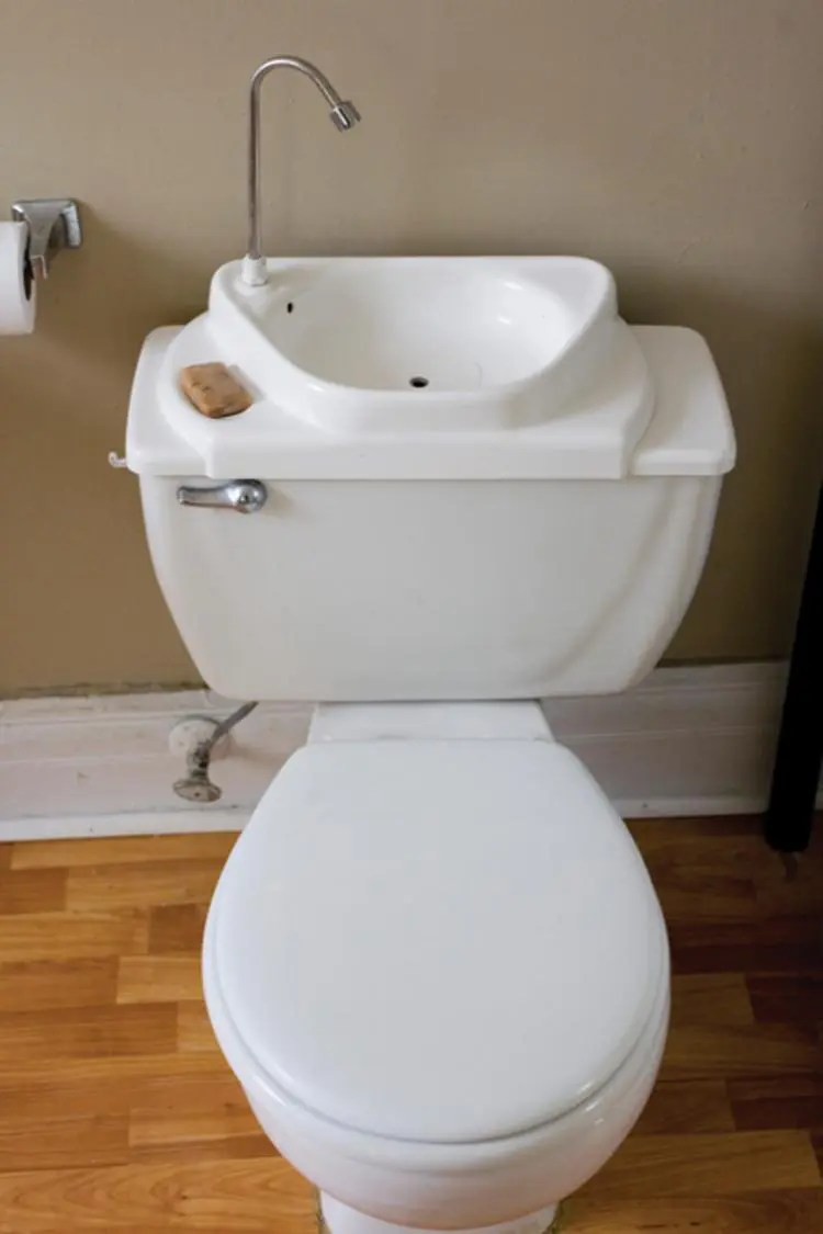 Toiletten In Japan 32 Stylish Toilet Sink Combos For Small Bathrooms - Digsdigs