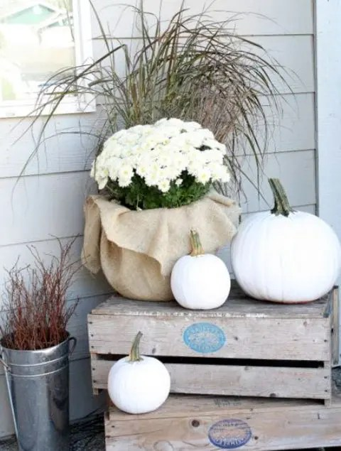 What To Put On Fireplace Mantel 34 Chic Neutral Fall Décor Ideas You'll Like - Digsdigs