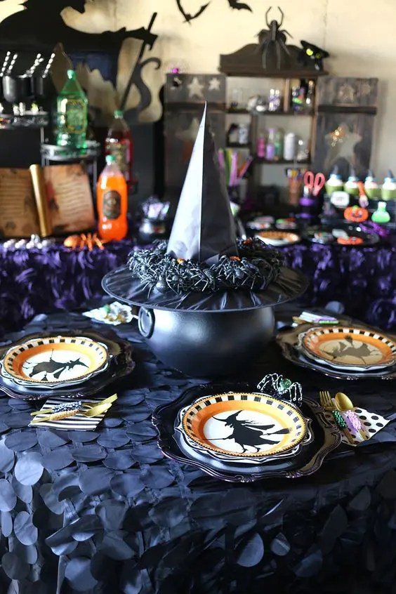 Decoration Nice 34 Witch-themed Halloween Decorations To Create An