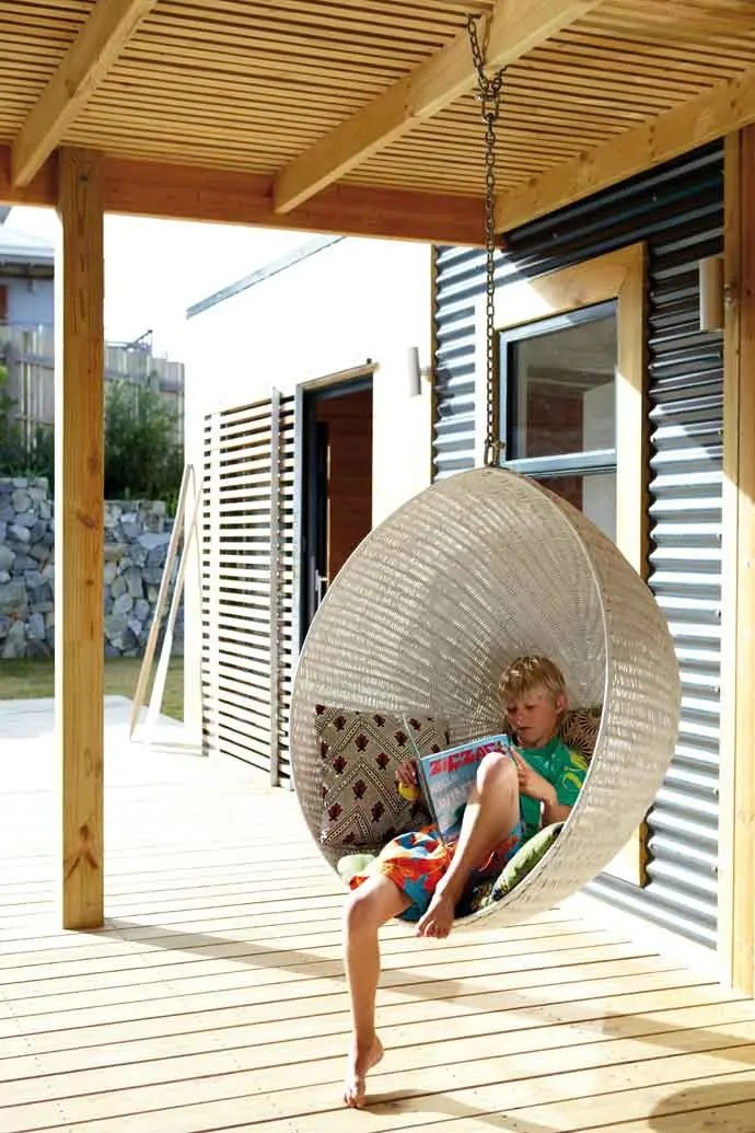 Parasol Suspendu 33 Awesome Outdoor Hanging Chairs | Digsdigs