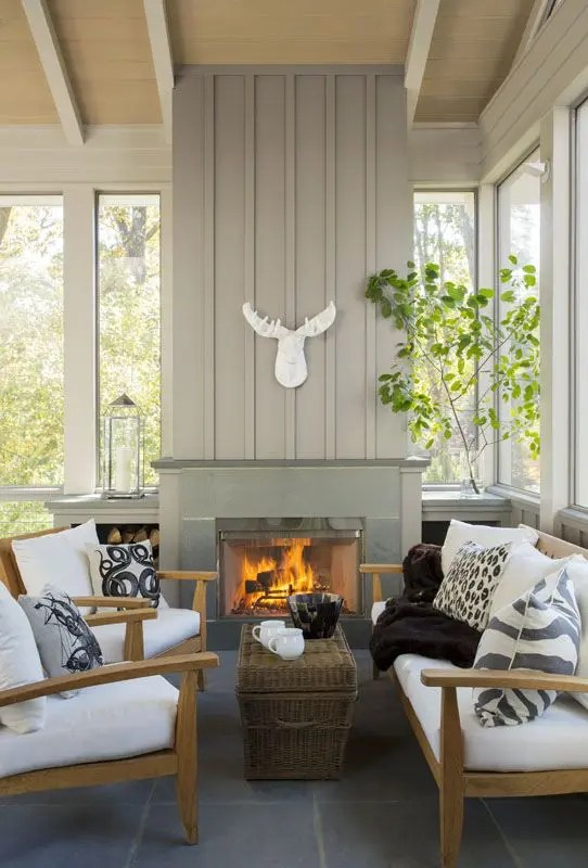 Interior Rustic 25 Farmhouse Sunrooms You Will Never Want To Leave - Digsdigs