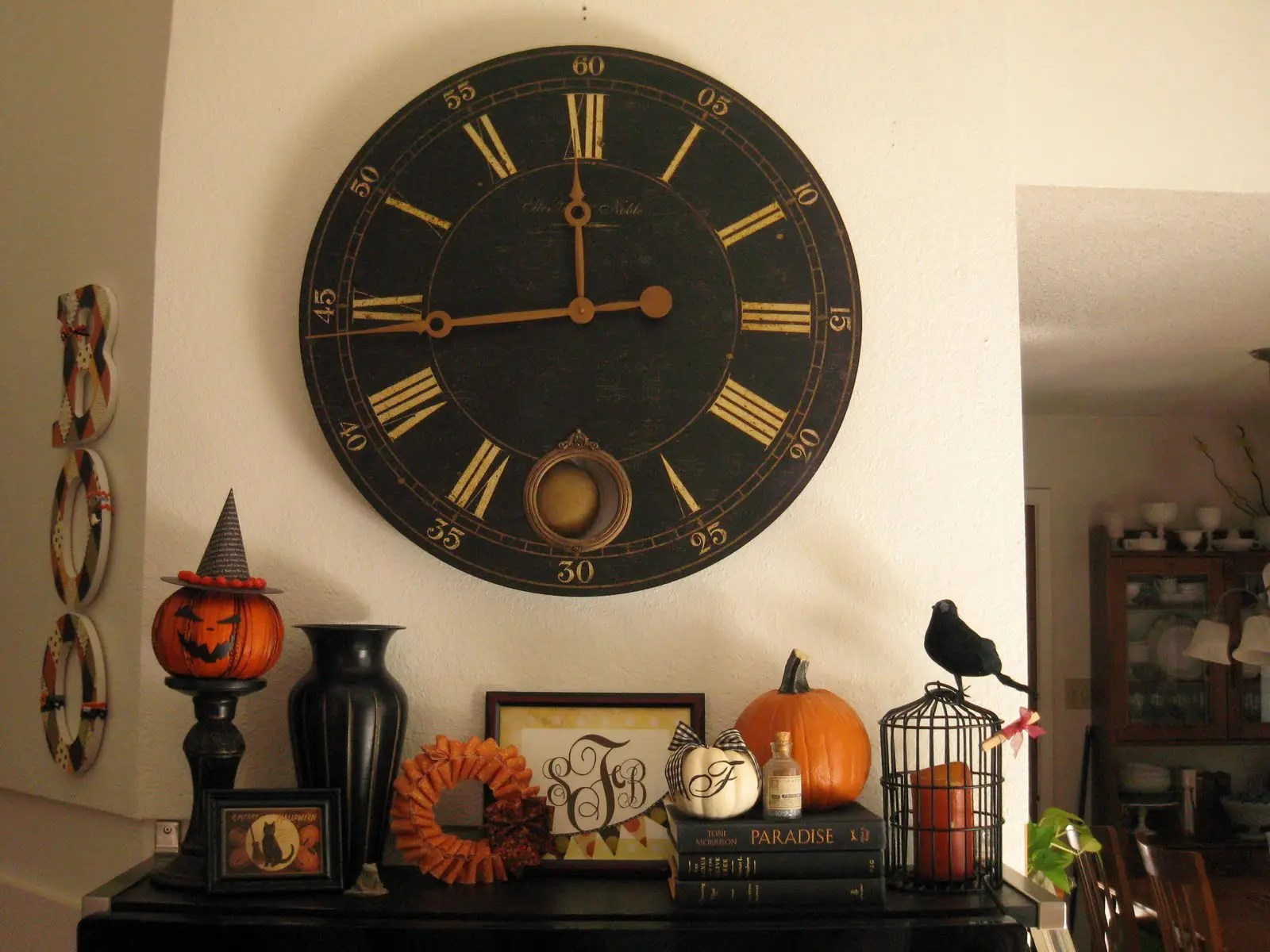 Giant Clock Decor 50 Great Halloween Mantel Decorating Ideas Digsdigs