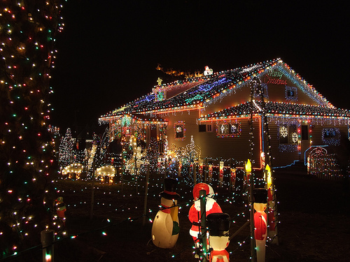 Traineau Lumineux Exterieur Top 10 Biggest Outdoor Christmas Lights House Decorations