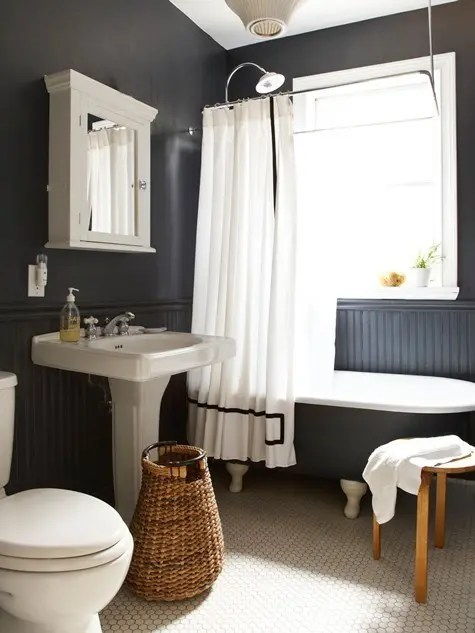 Retro Badezimmer 23 Traditional Black And White Bathrooms To Inspire - Digsdigs