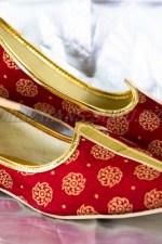 2269. Индийская национальная обувь