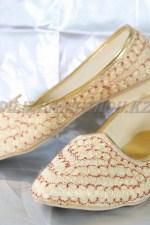 2270. Индийская национальная обувь