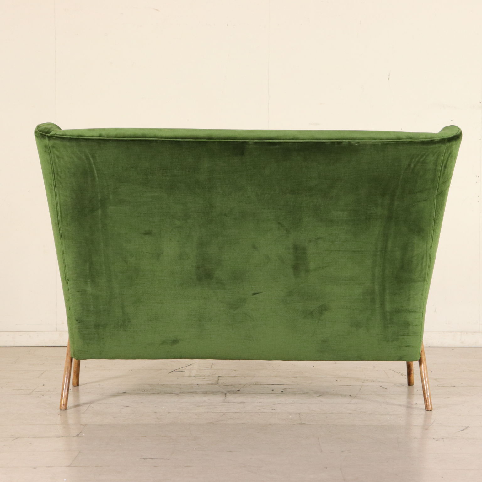 Divani Industrial Vintage Sofa Beech Velvet Vintage Manufactured In Italy 1950s