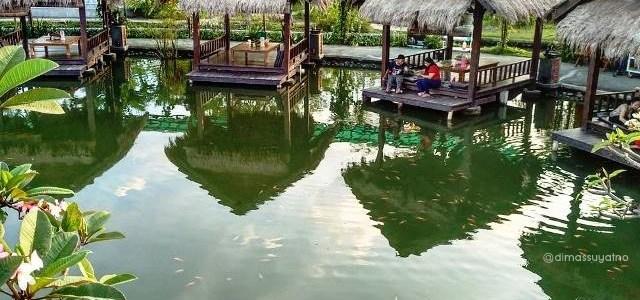 Menikmati Romantisme Sore di Danau Tengah Sawah