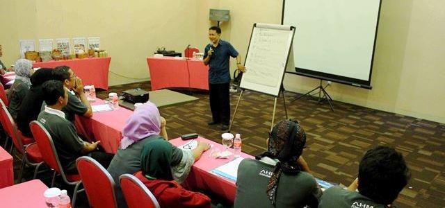 AHM Adakan Program Sociopreneur Mitra Satu Hati
