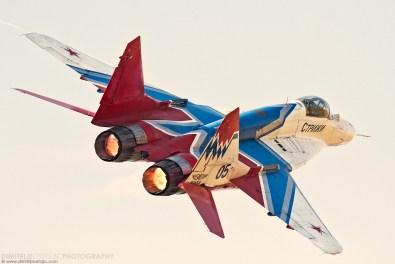 Aerobatic display team strizhi (swifts) - MiG-29 9.13