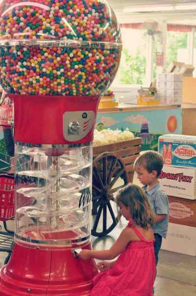 10 Things to Do: Largest Candy Store in Minnesota - Dining ...