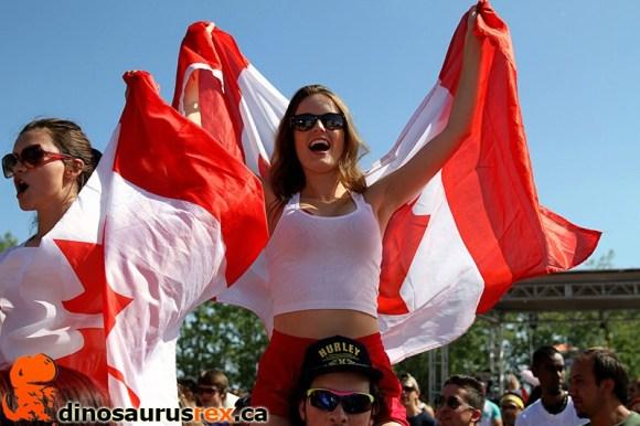 digital-dreams-2013-canadian-raver-girl