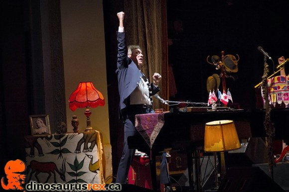 hugh-laurie-toronto-copper-bottom-band
