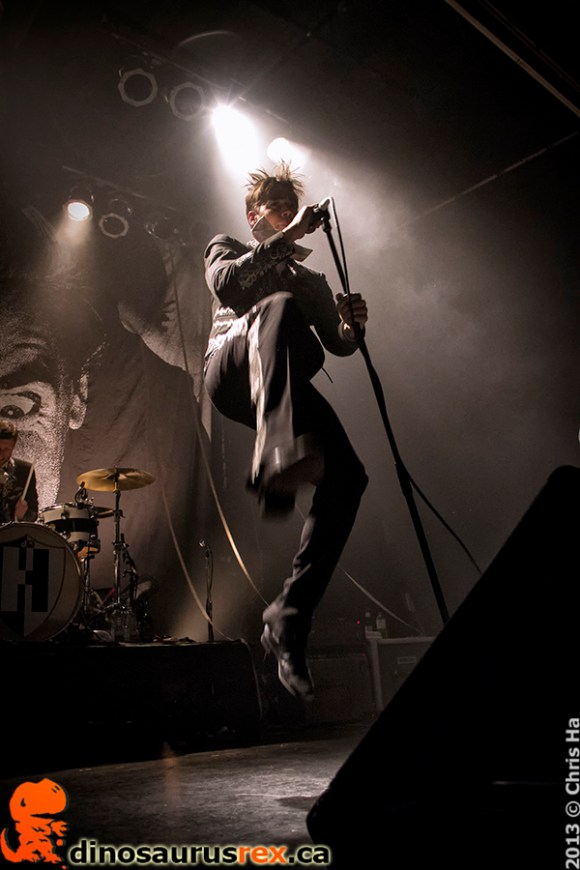 the-hives-phoenix-concert-theatre-2013-1