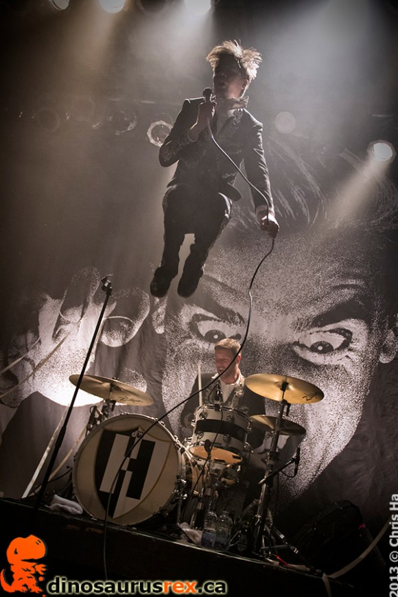 the-hives-phoenix-concert-theatres-2013-8