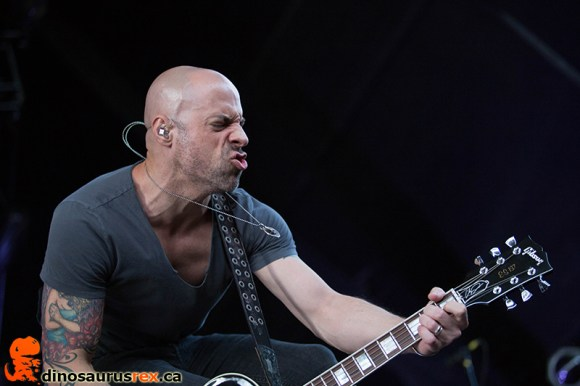 dinosaurus-rex-chris-daughtry-band-molson-canadian-amphitheatre-toronto-2014-016