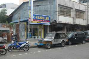 Henry Lhuillier Pawnshop and Jewerly Store, General Luna St.