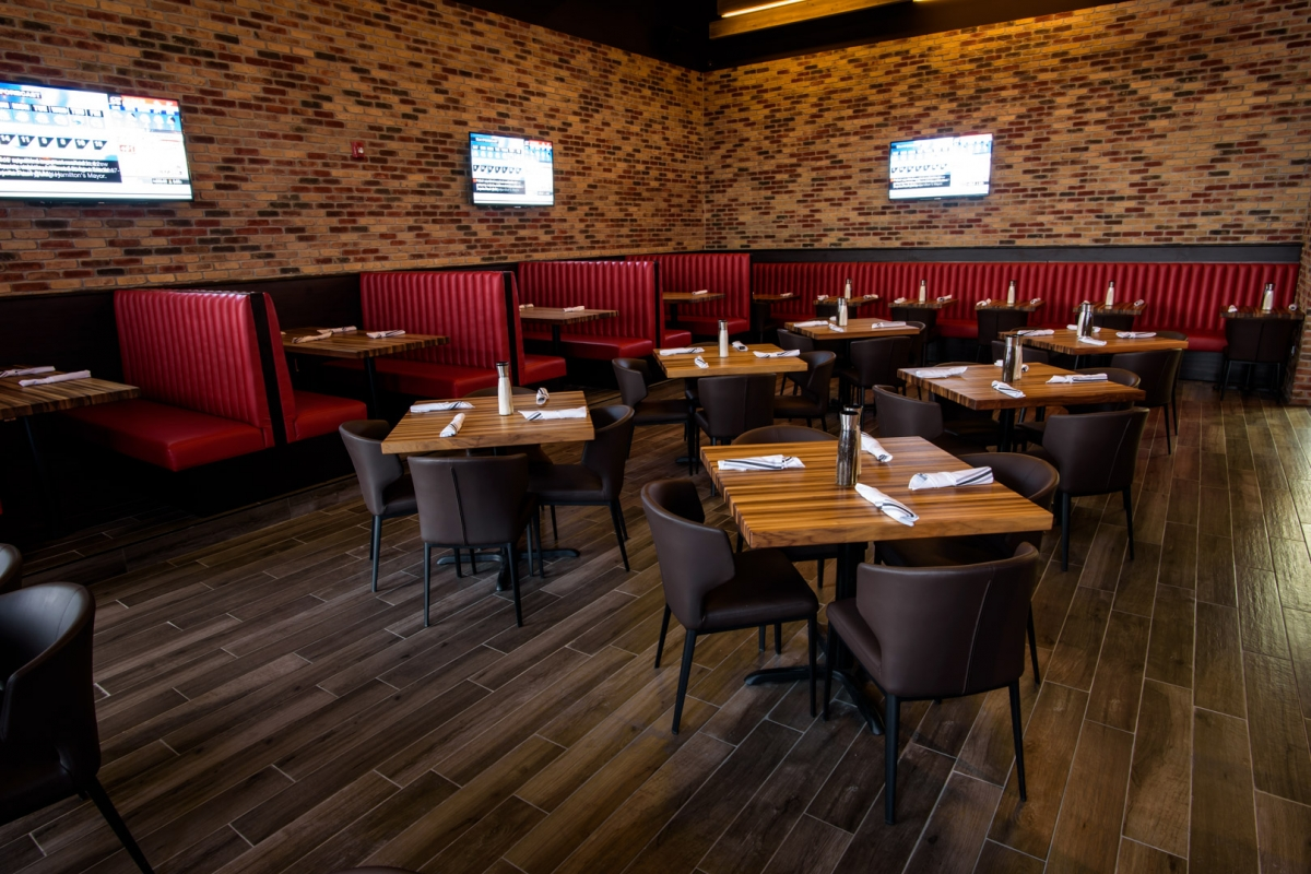 Sparks Bar Grill Restaurant Entertain Kids On A Dime - Sparks Flooring Chatham