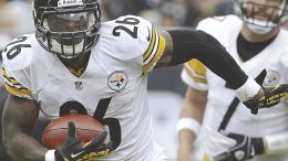 The Steelers would eventually like to make Le'Veon Bell 'a Steeler for life.' (AP)