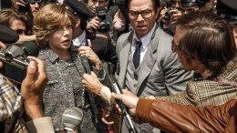 """This image released by Sony Pictures shows Michelle Williams, left, and Mark Wahlberg in TriStar Pictures' """"All The Money in the World.""""  (AP)"""