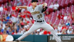 Pittsburgh Pirates starting pitcher Chad Kuhl throws during the first inning of a baseball game against the Cincinnati Reds, Wednesday, May 23, 2018, in Cincinnati. (AP)