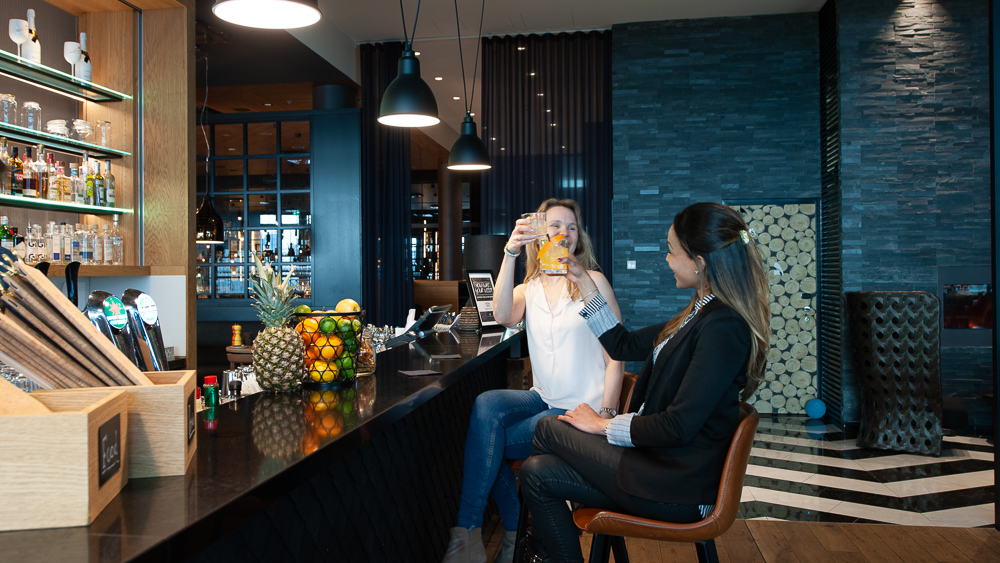 Kitchen & Table Helsinki Airport And Bar Vantaa Clarion Hotel Helsinki Airport - Quality Accommodation