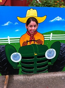 Did someone call for Farmer Becki?