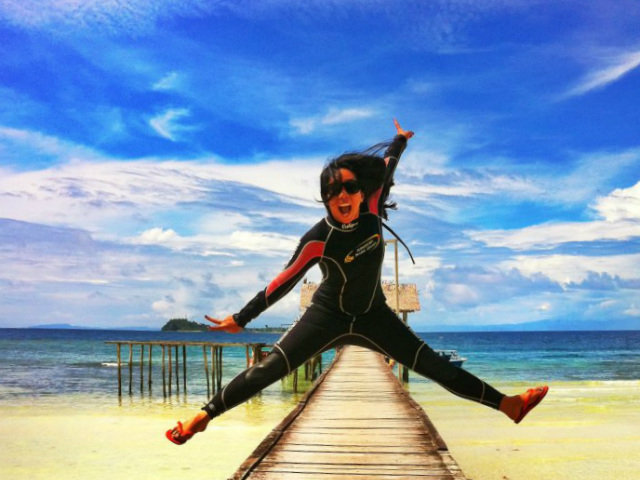 Hitchhiker Indonesia Dhita