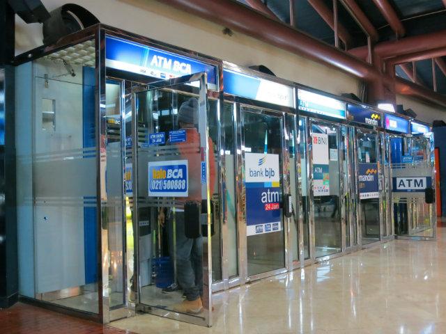 Cash machine Airport