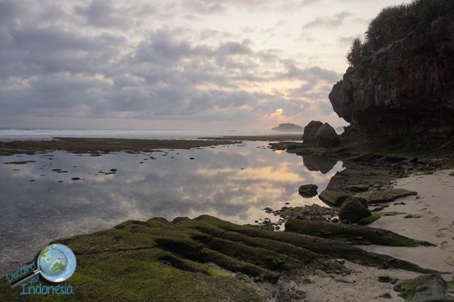 small beach near watu karung beach pacitan