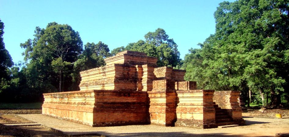 Muara Jambi complex - Tinggi 1 temple