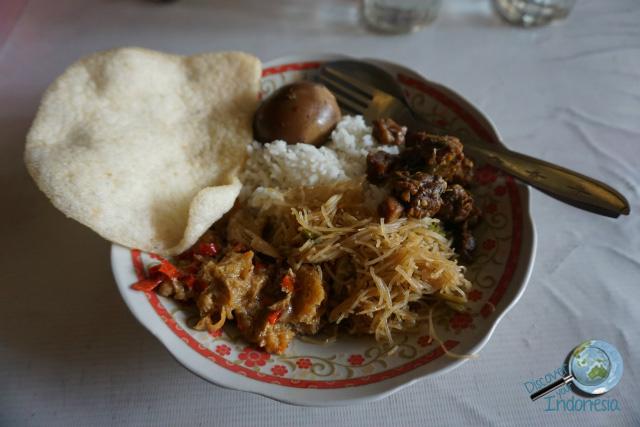 food in Jogja nasi rames