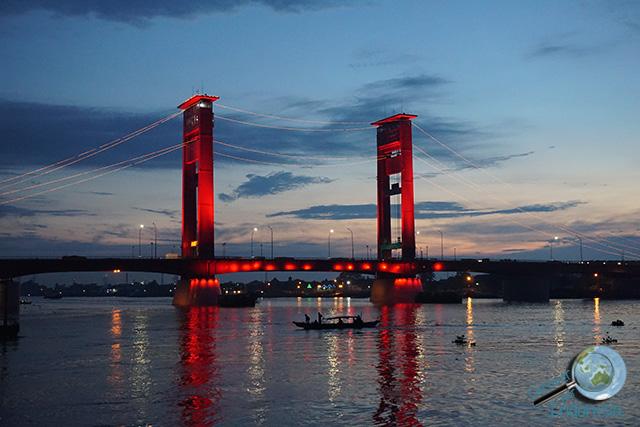 jembatan ampera at dawn