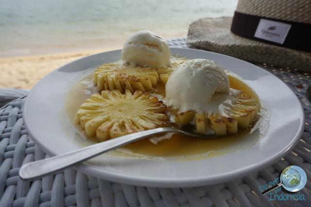 pineapple flambe at toro-toro restaurant