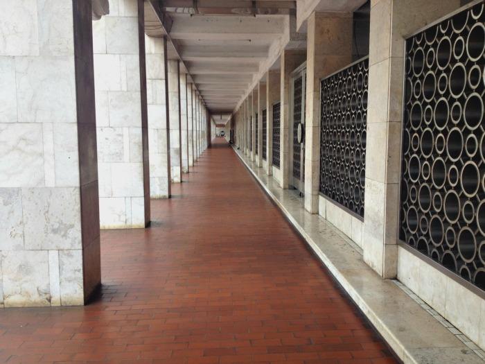 inside the grand mosque jakarta