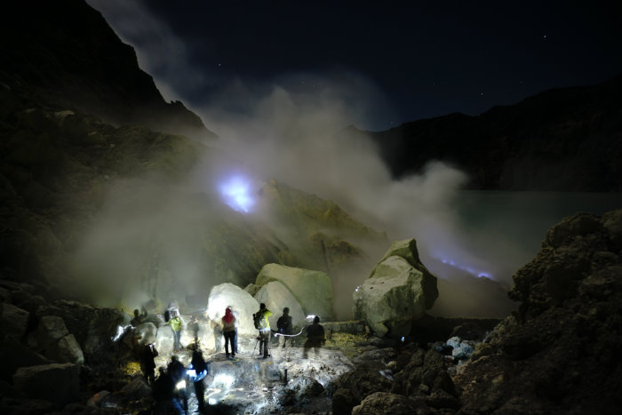 Ijen Crater Tour, Ijen Crater Lake, Blue Fire
