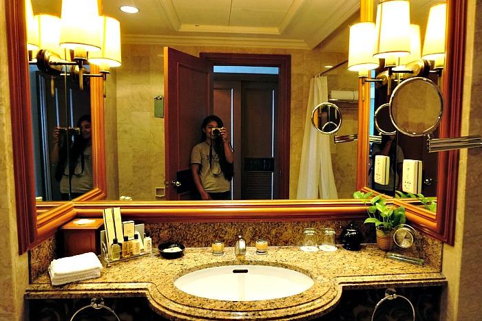 Bathroom of Deluxe Room Horizon Club
