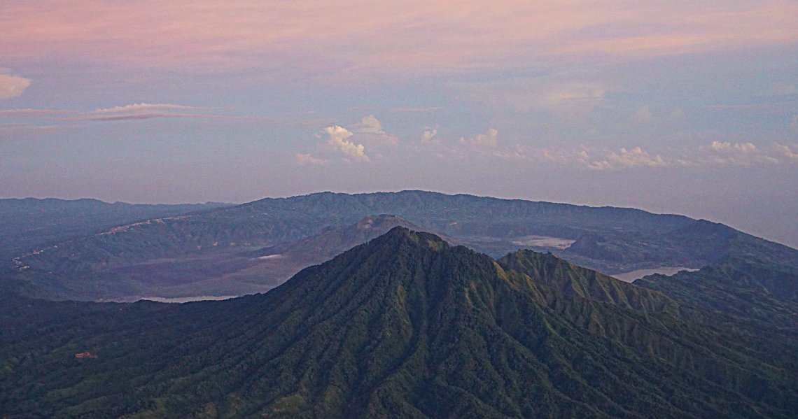 hiking-agung-volcano