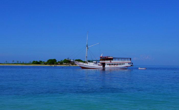 flores-to-lombok-cruise-ship