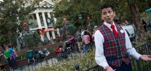 Disneyland Resort Happiest Haunts Tour Ghost Host Haunted Mansion Holiday