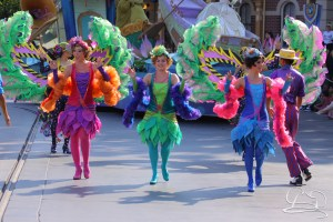 Dancers with the Princess Tiana unit are goin' down the bayou.